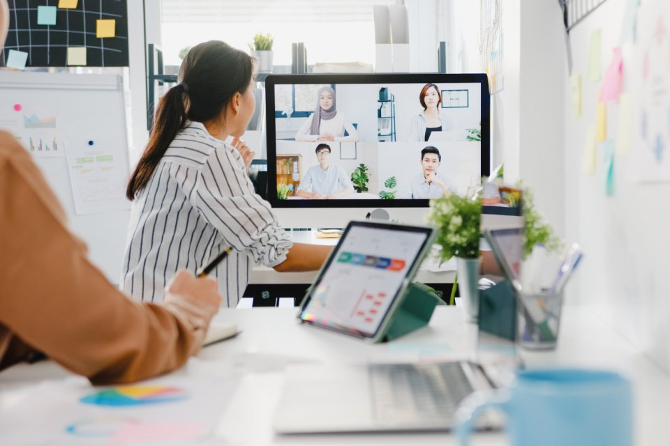Top 5 people and culture challenges in the hybrid workplace